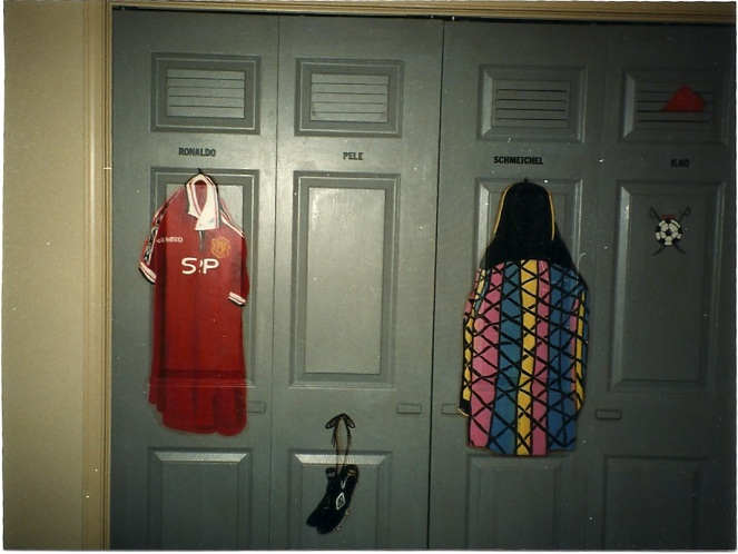 closet painted to look like a locker